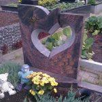 Antkapiai  Paminklai kapams  paminklai   iauliuose  plok  t  mis dengti kapai  pig  s paminklai visoje Lietuvoje  antkapiai foto 150x150 - Dviejų dalių paminklai