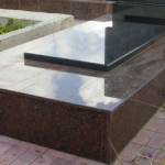 Paminklai Gruzdziuose  pigus paminklai  kapu prieziura foto 150x150 - Plokštėmis dengti kapai