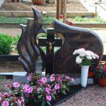 Paminklai Kur    nuose  pig  s paminklai i   granito foto 150x150 - Trijų dalių paminklai