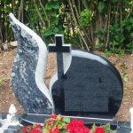 Paminklai Ukmerg    kapini   prie  i  ra  visi kapini   darbai  paminklai   iauliuose foto 150x150 - Dviejų dalių paminklai