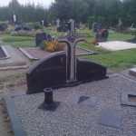 Paminklai  paminklai   iauliuose  pig  s paminklai  Plo  t  mis dengti kapai  granito plok  t  s 2 foto 150x150 - Trijų dalių paminklai