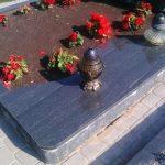 plokstemis dengti kapai paminklai 16 foto 150x150 - Plokštėmis dengti kapai