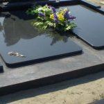plokstemis dengti kapai paminklai 22 foto 150x150 - Plokštėmis dengti kapai