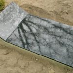 plokstemis dengti kapai paminklai 25 foto 150x150 - Plokštėmis dengti kapai