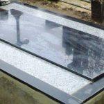 plokstemis dengti kapai paminklai 26 foto 150x150 - Plokštėmis dengti kapai