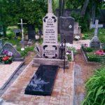plokstemis dengti kapai paminklai 35 foto 150x150 - Plokštėmis dengti kapai