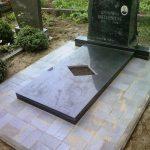plokstemis dengti kapai paminklai 38 foto 150x150 - Plokštėmis dengti kapai
