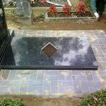 plokstemis dengti kapai paminklai 39 foto 150x150 - Plokštėmis dengti kapai