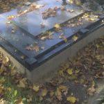 plokstemis dengti kapai paminklai 3 foto 150x150 - Plokštėmis dengti kapai