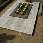 plokstemis dengti kapai paminklai 43 foto 150x150 - Plokštėmis dengti kapai