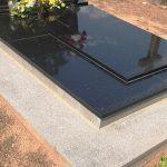 Kapu dengimas granito plokstemis 150x150 - Plokštėmis dengti kapai