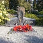 Paminklai Kapams visi paminklai paminklai Siauliuose pigus paminklai paminklu kainos 150x150 - Trijų dalių paminklai