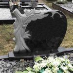 Paminklai kapu tvarkymas granito ploštės kapo dengimas plokstemis Klaipėdoje 150x150 - Vienos dalies paminklai