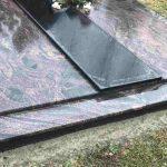 Paminklai kapu tvarkymas granito plokstes Aurora 150x150 - Plokštėmis dengti kapai