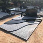 Paminklai kapu tvarkymas granito plokstes juostomis 150x150 - Plokštėmis dengti kapai