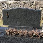 Kapu tvarkymas Raseiniuose Paminklai Raseiniuose paminklai granito ploksyes 150x150 - Vienos dalies paminklai