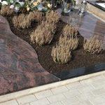 Kapu tvarkymas Raseiniuose Paminklai Raseiniuose paminklai ir kokybiskos granito plokstes 150x150 - Plokštėmis dengti kapai