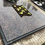 Paminklai Kapu tvarkymas Kaunas granito plokstes kapams 150x150 - Plokštėmis dengti kapai